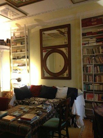 Casa de Madrid: foyer of Japan room