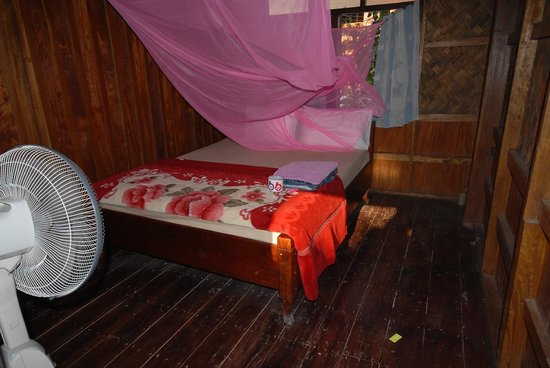 Bounmy Guesthouse: My Chalet Room