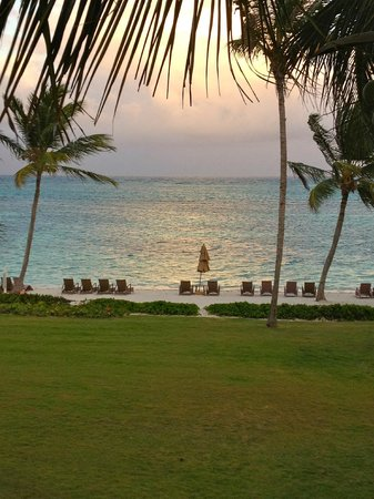 Tortuga Bay Hotel Puntacana Resort & Club: beach late afternoon