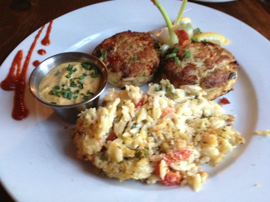 The Tavern: Crab Cakes