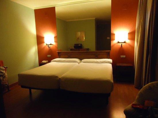 Hotel Zenit Sevilla: habitacion