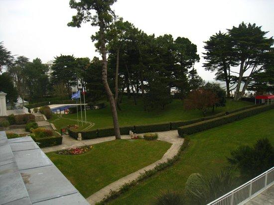 Hôtel Barrière Le Royal La Baule : jardins