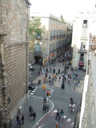 Hotel Bagues : view from balcony of la rambla