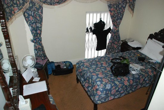 My Place Hotel: Room is small, but clean.