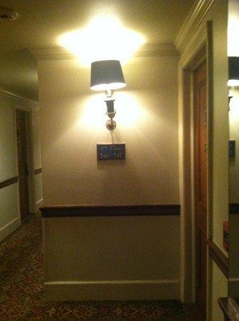 Hotel Provincial: hallway