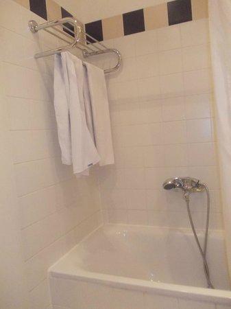 NH Wien Belvedere: salle de bain