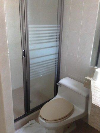 Hotel Fleming: bathroom 1