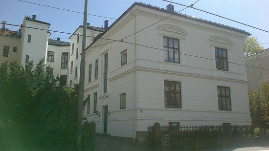 Ellingsens Pensjonat : Photo of the residence taken in may 2012