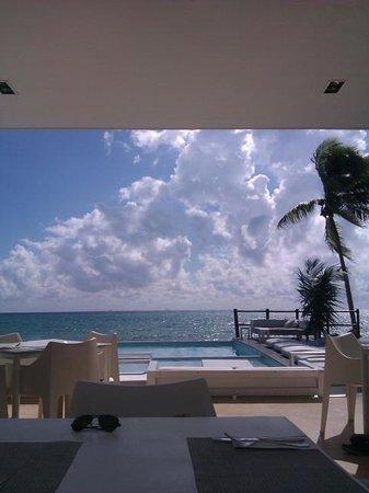 Pure Mareazul: beach club