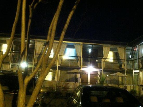 City Loft Hotel : View at night
