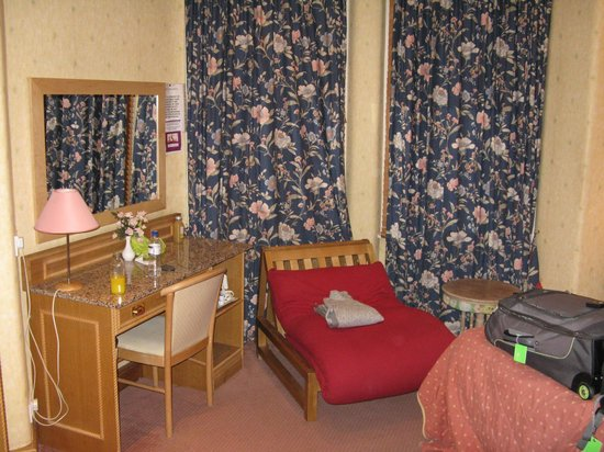 Henley House Hotel: Room 1 - October 2012