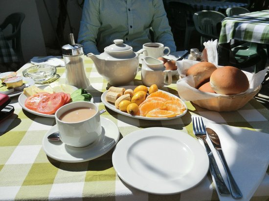 Bunch of Grapes Inn Hotel : Breakfast