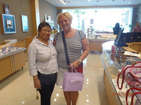 Forum Shops: Milano Jewelery Store