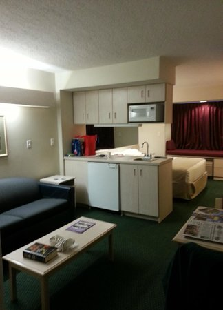 Microtel Inn & Suites by Wyndham Christiansburg/Blacksburg: Our room