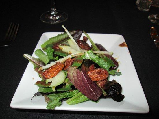 Lafayette Inn & Restaurant: salad with candied pecans