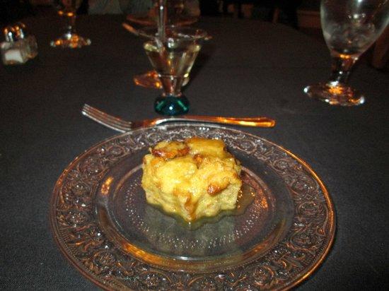 Lafayette Inn & Restaurant : bread pudding