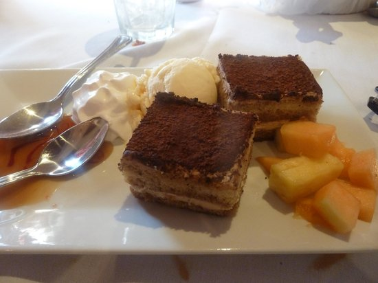 ROYAL WARSAW: Exceptional desserts!