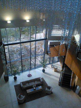 Sparkling Hill Resort: Main lobby