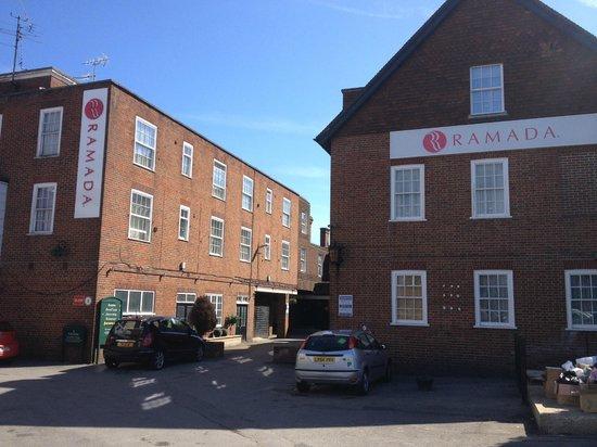Ramada Crawley Gatwick: Rear of hotel from car park