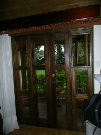 Porta Hotel Antigua: Doors to the balcony