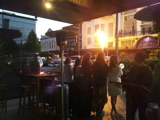 Barzurk Gourmet Pizza Bar: balloon parade
