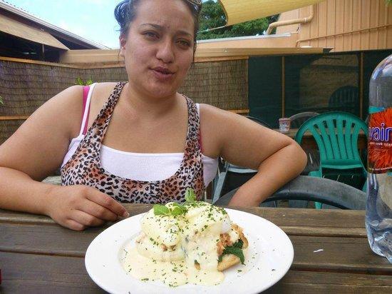 Cafe Ariki: Eggs Benny