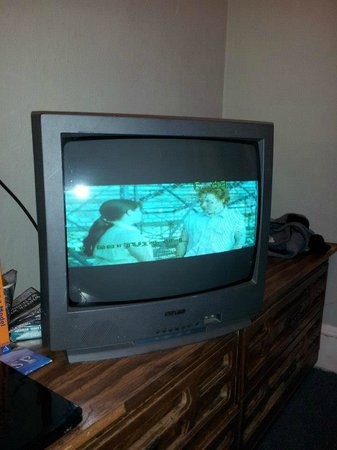 Friendship Hotel: TV (widescreen) KIDDING! It only has half a screen, on a 19 inch old style. No remote control ei