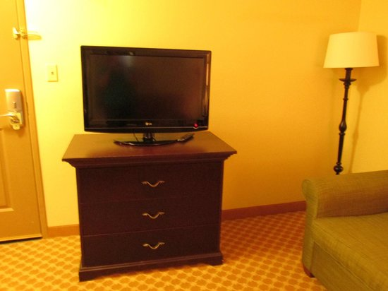 Country Inn & Suites By Carlson, Princeton: flat panel in sitting area