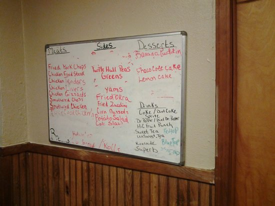 Mama Dean's Soul Food Kitchen: The menu is simple and on the wall.