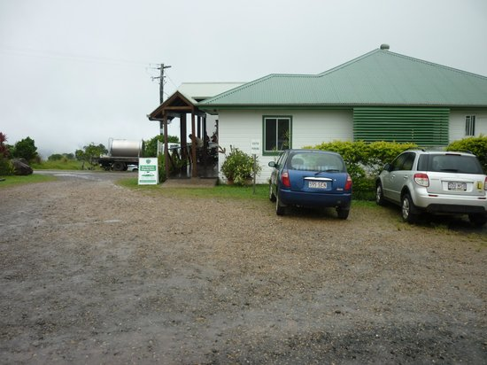 Mungalli Creek Organic Cafe: The Restaurant and Shop