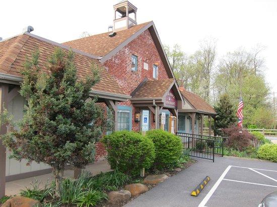 Brick Ridge Restaurant : A front view of the restaurant.
