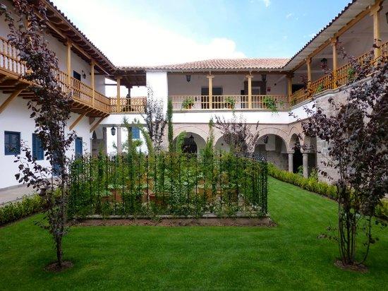 Belmond Palacio Nazarenas: One of the many gardens