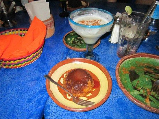 Casa Ofelia Rest-Bar: Flan with pina colada!