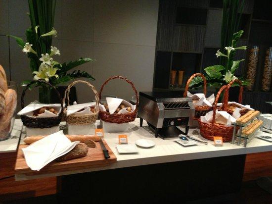 Novotel Bangkok Platinum Pratunam: breakfast2