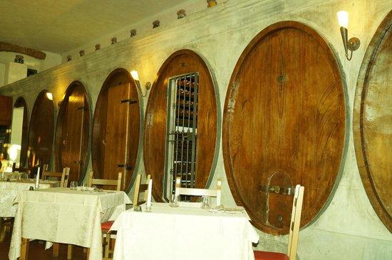 Fattoria degli Usignoli : Inside the Restaurant