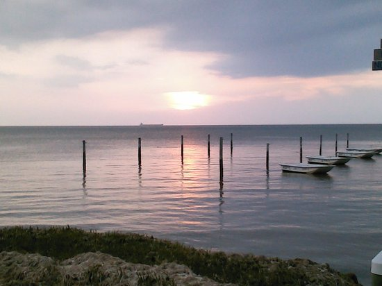 Cherrystone Family Camping Resort: pier at sunset on the Chesapeake