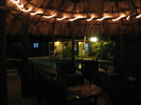 Aruba Sunset Beach Studios: Evening Under the Palapa