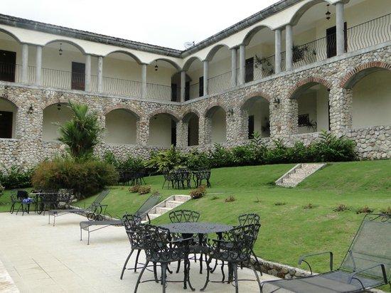 Los Mandarinos Boutique Spa & Hotel Restaurant: Vista desde la piscina