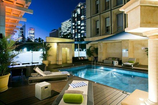Duxton Hotel: Pool area