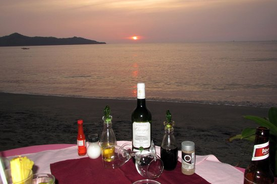 Brasilito, Costa Rica: Drinks and Sunset