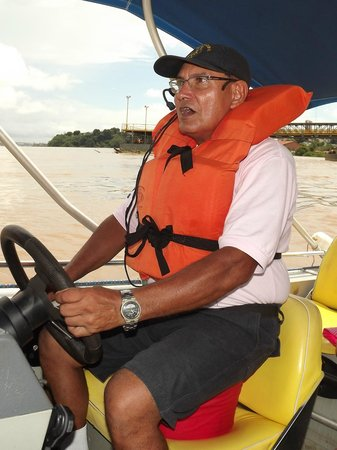 Passeio de barco pelo Rio Madeira: Comandante Ribeiro