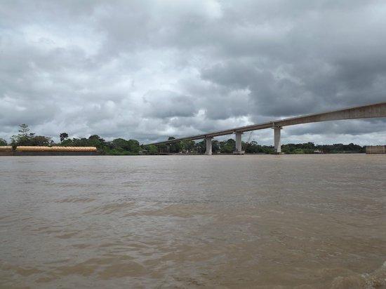 Passeio de barco pelo Rio Madeira: Ponte