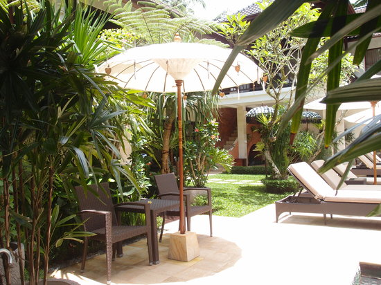 Villa Saraswati: Poolside