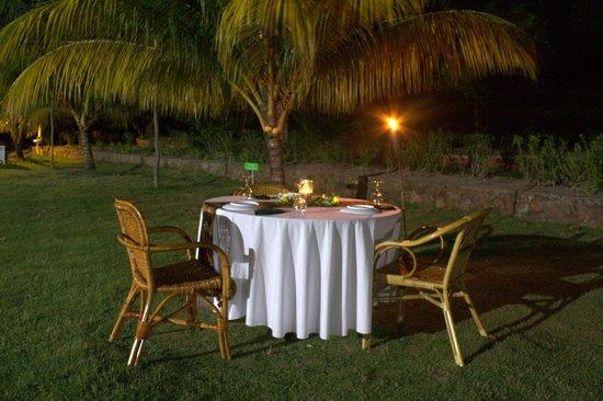 Telunas Resorts - Telunas Beach Resort: Telunas Beach Resort: Candelight Dinner on the lawn