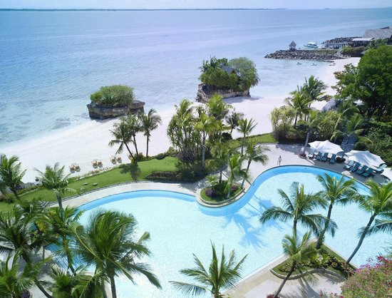 Shangri-La's Mactan Resort & Spa: Ocean Wing Pool and Beach Area