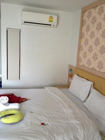 SPB Paradise: le lit très grand mais très dur aussi