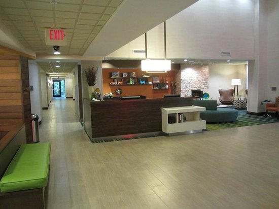Fairfield Inn & Suites Valdosta: Lobby