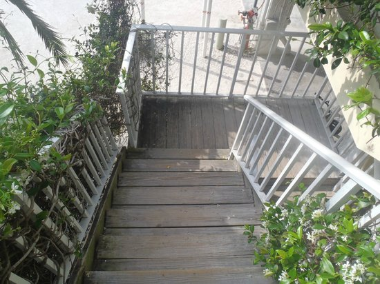 Cedar Cove Resort & Cottages: Stairway