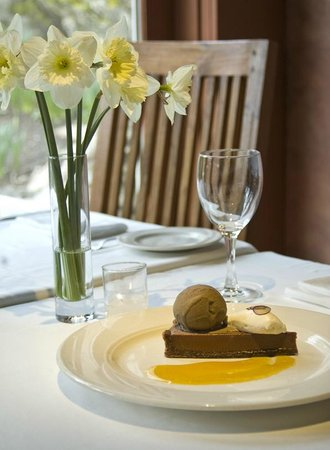 John Andrews Farmhouse Restaurant: Chocolate Dessert