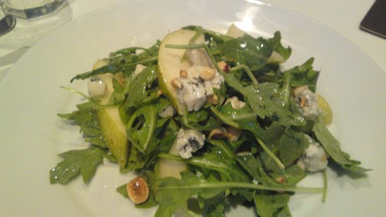 One Up Bar & Bistro: Pear, walnut and Blue Cheese Salad